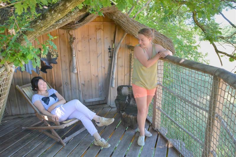 Domaine-des-Vaulx-Cabane-des-Cartes-weekend-amis