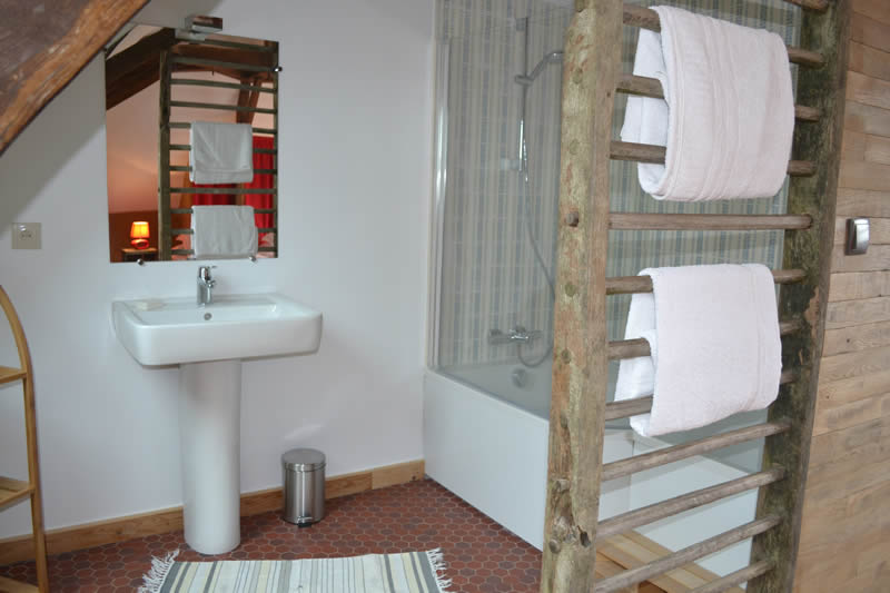 chambre-hotes-edouard-domaine-des-vaulx-baignoire