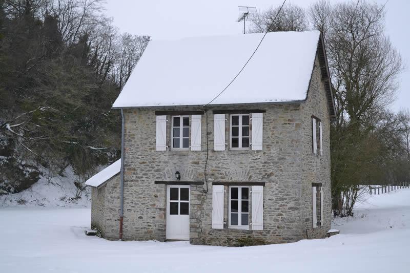 Petit-gite-ile-poupardiere-domaine-des-vaulx-neige