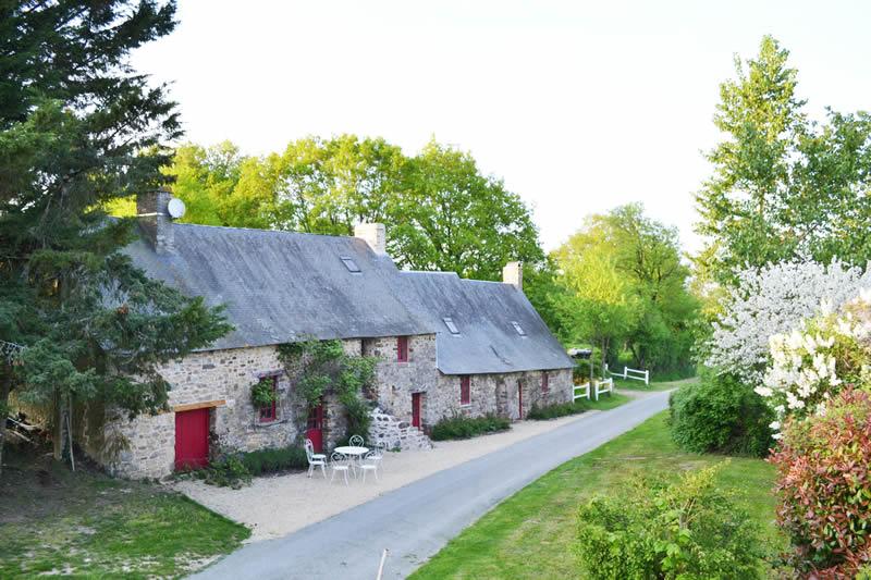 Petit-gite-poupardiere-domaine-des-vaulx-exterieur