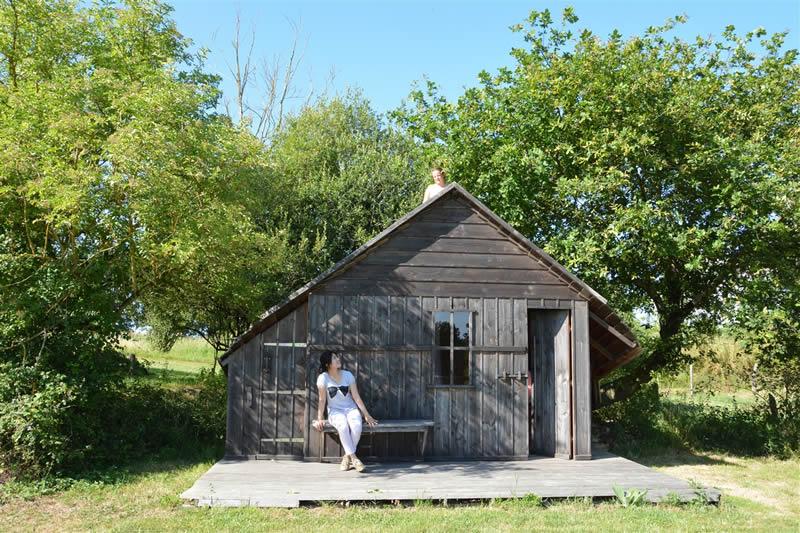 Domaine-des-Vaulx-cabane-Voiles-Blanches-enfant