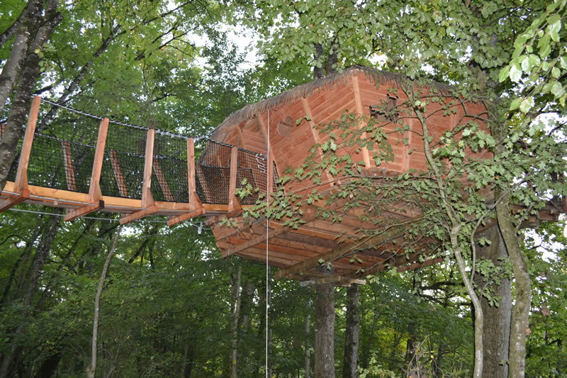 cabane lisbonne cabane dans les arbres en famille domaine des vaulx. Black Bedroom Furniture Sets. Home Design Ideas