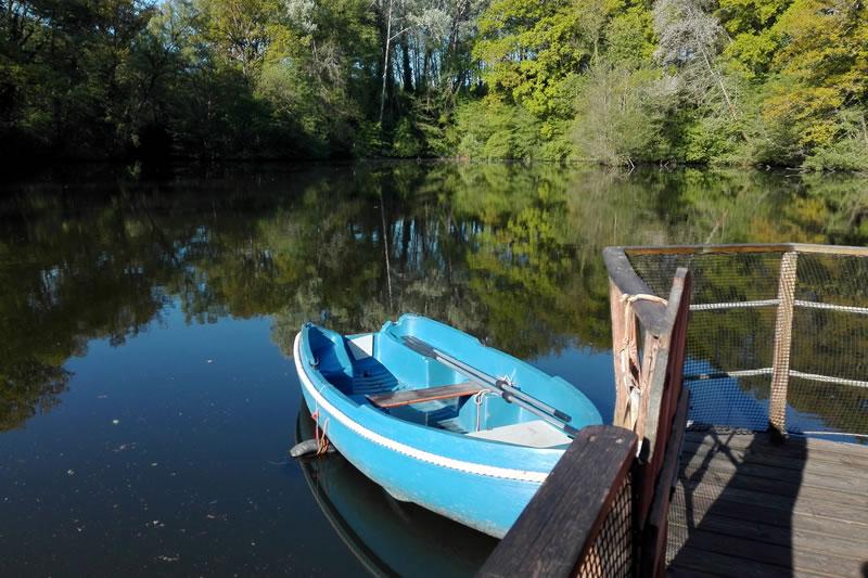 Cabane-Belle-Ile-barque-Domaine-des-Vaulx