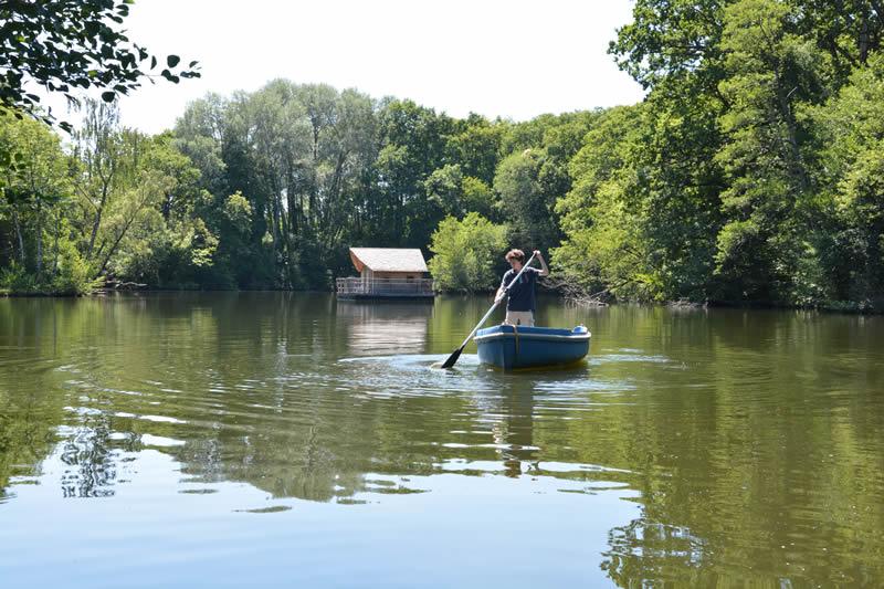 Domaine-des-Vaulx-Cabane-Belle-Ile-barque