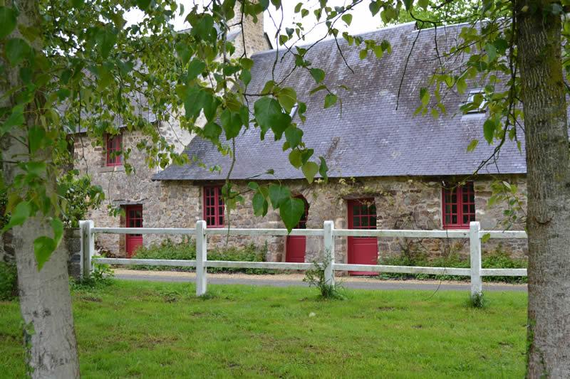 Petit-gite-poupardiere-domaine-des-vaulx-facade