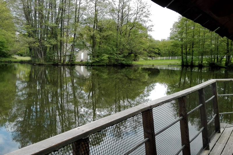 Cabane-Belle-Ile-vue-lacDomaine-des-Vaulx