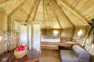 Cabane des Cartes dormir dans les arbres